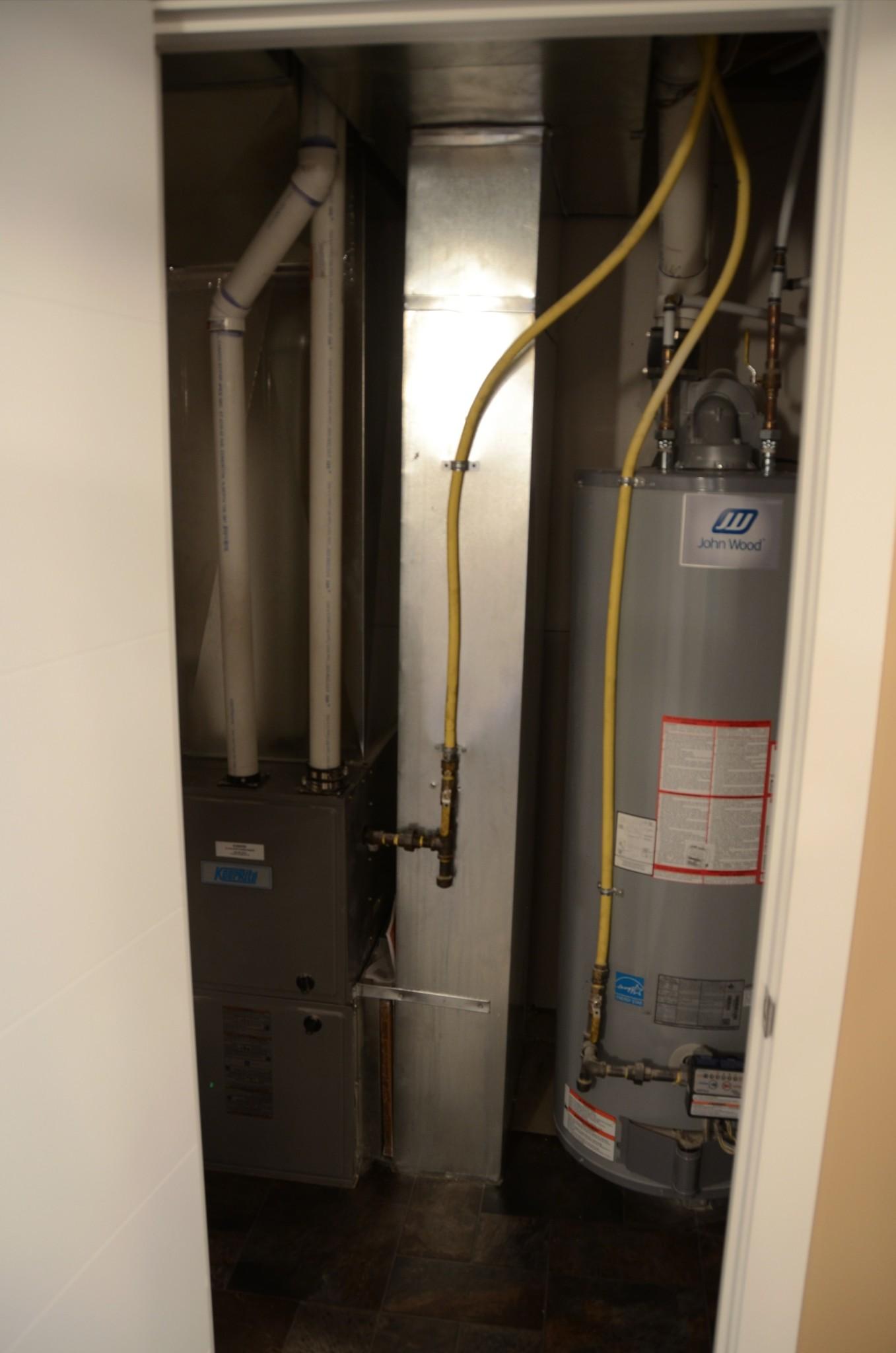 10-13307 Hot Water tank